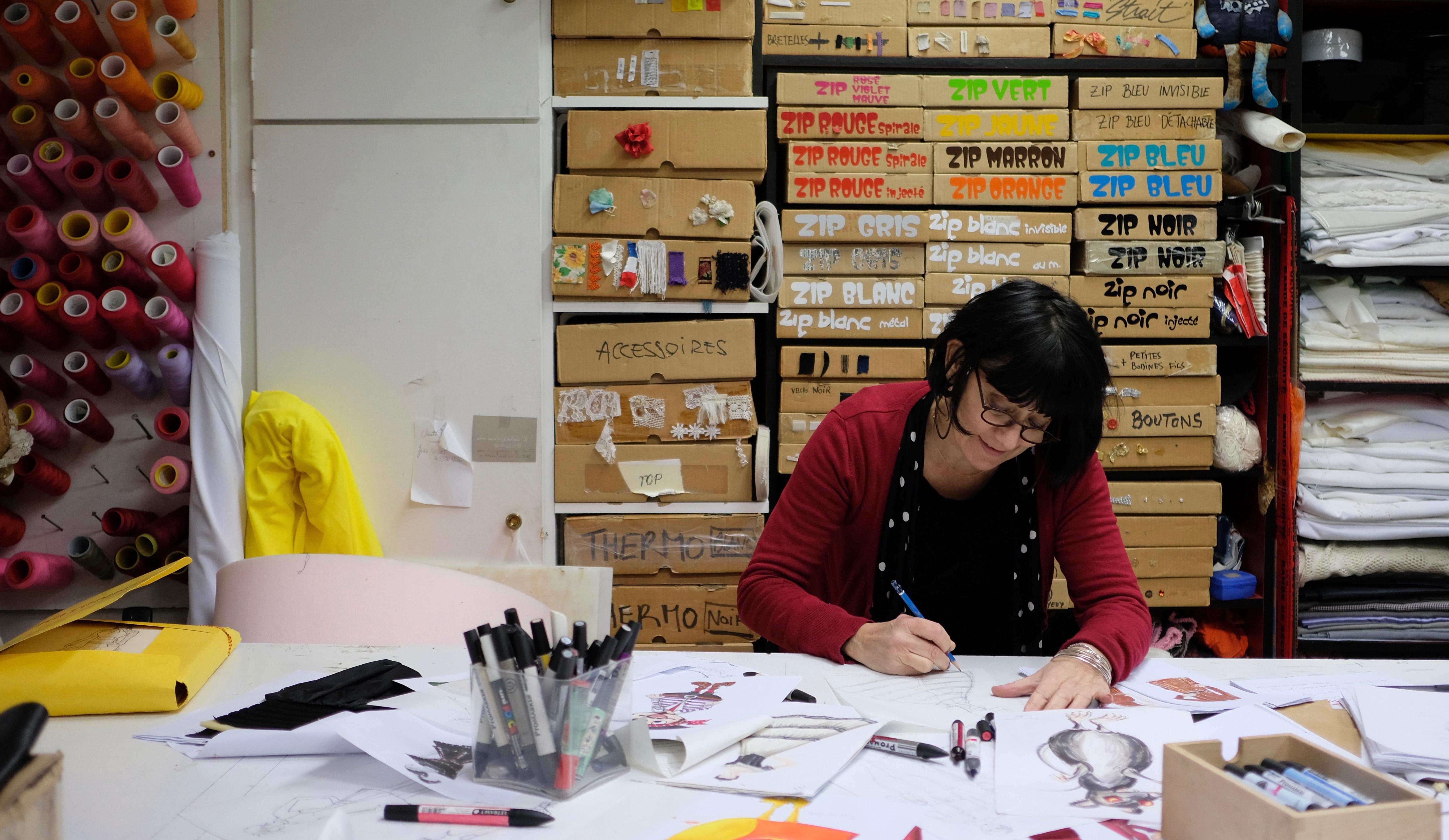 Christine Capdevielle dans son atelier à Paris